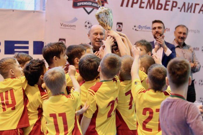 Чемпион ДФПЛ